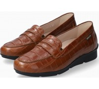 Mephisto Diva leather slip-on shoes for women - hazelnut